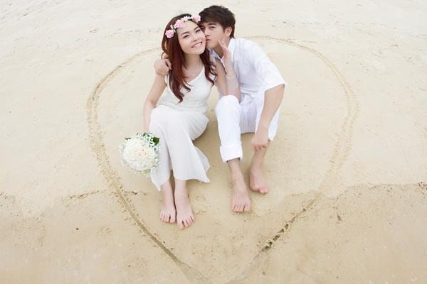 Trước khi đi đến đám cưới, Phi Trường đã quen vợ, ca sĩ Lê Thu Hương trong thời gian 8 năm.