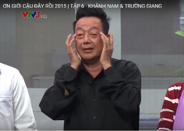 Sau phần thử thách, gương mặt Khánh Nam ửng đỏ vì rượu.
