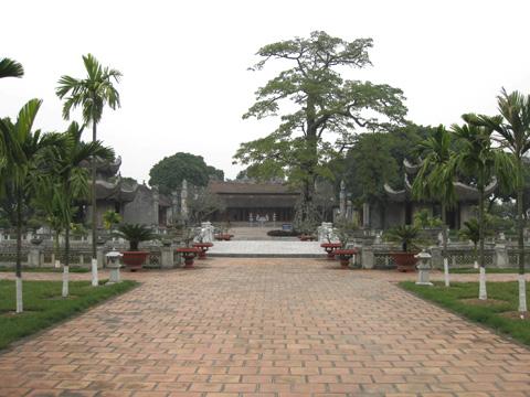 Văn miếu Mao Điền, nơi thờ bà chúa Sao Nguyễn Thị Duệ.