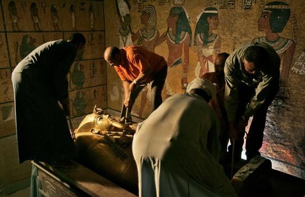 Dù bất kể là ai, những kẻ quấy rầy giấc ngủ của pharaoh đều nhận cái chết đau đớn