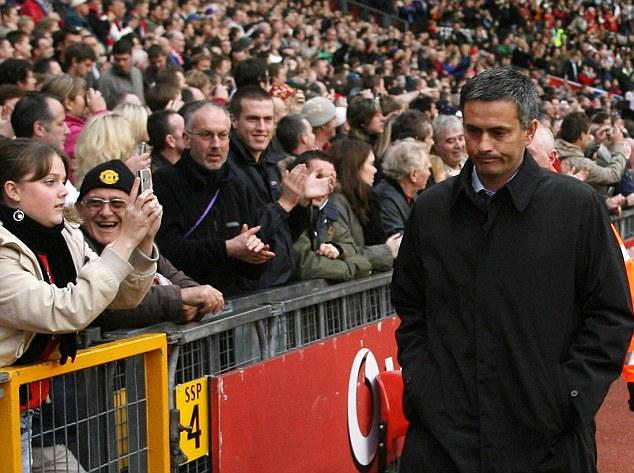 Mourinho trên Old Trafford.