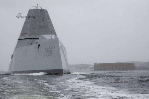 Tàu khu trục DDG-1000 hoàn thành thử nghiệm lần đầu trên biển vào tháng 12/2015.