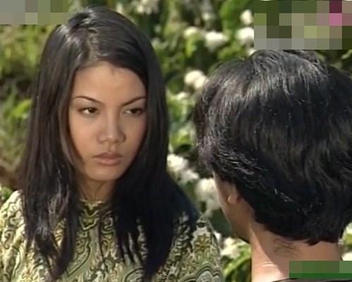 Trương Ngọc Ánh trong phim Đồng tiền xương máu.