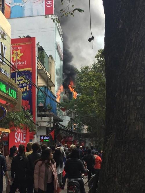 Hiện trường vụ cháy. Ảnh: Thái Anh.