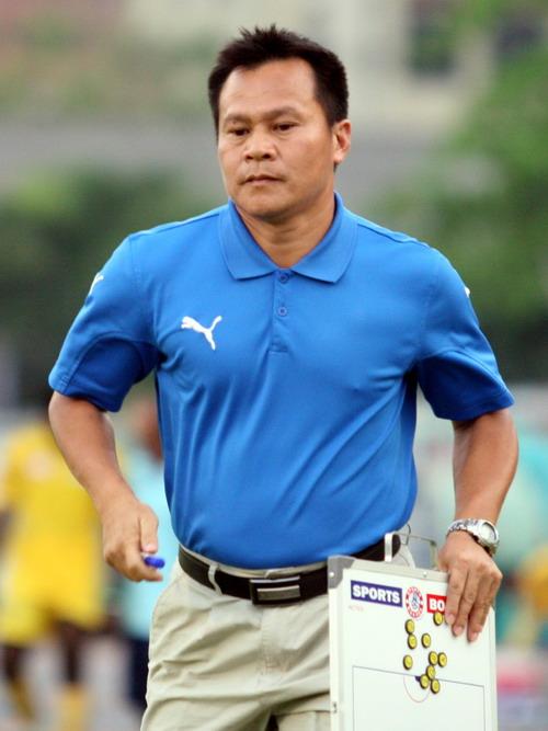 Dịp triệu tập ĐTQG Việt Nam vừa rồi, HLV Lư Đình Tuấn tạm lỡ hẹn với Hữu Thắng vì bận việc ở CLB.