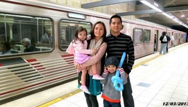 Mark và Rhea bắt đầu tải các video gia đình lên tài khoản Youtube của mình vào năm 2007