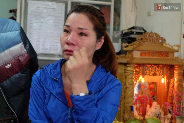 Chị Trang bật khóc khi nghĩ đến việc mình bị nhầm ở trung tâm y tế cách đây hơn 40 năm.
