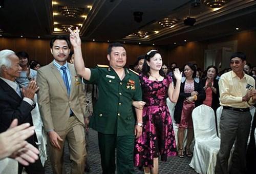 Lê Xuân Giang luôn xuất hiện trong trang phục Đại tá Quân đội khi tham dự các sự kiện. Ảnh: CAND.