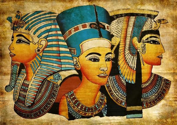 Ngay cả những Nữ hoàng Ai Cập sống ở sa mạc...