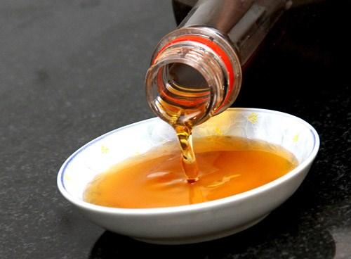 Giá trị dinh dưỡng của nước chấm công nghiệp cực thấp. (ảnh minh họa)