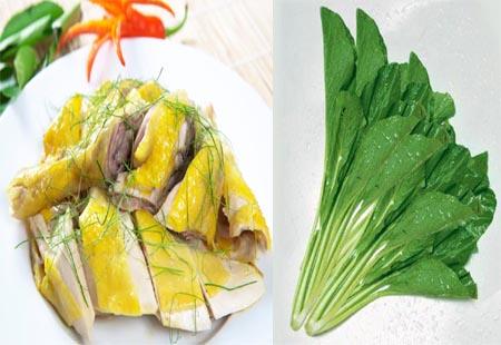 Bạn không nên ăn thịt gà cùng với rau cải.