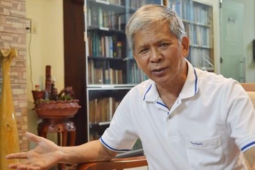 Giáo sư Lê Huy Bá.