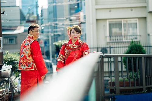 Hiện nay, rất nhiều các bạn trẻ Trung Quốc có xu hướng xuất ngoại để chụp ảnh cưới cũng như hưởng tuần trăng mật.