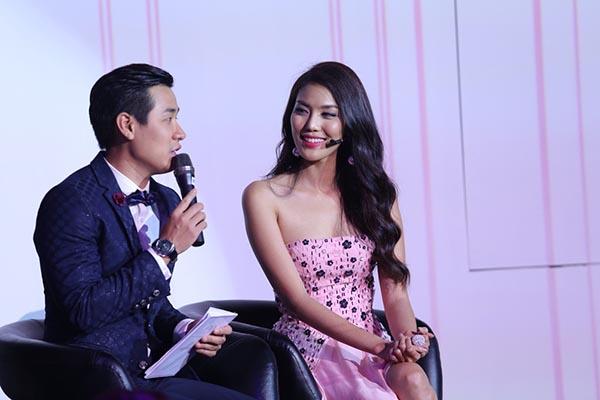 Trong chia sẻ, Top 11 Hoa hậu Thế giới 2015 cho biết cô rất tự hào khi từng được đại diện cho Việt Nam tham dự cuộc thi nhan sắc tầm cỡ quốc tế.