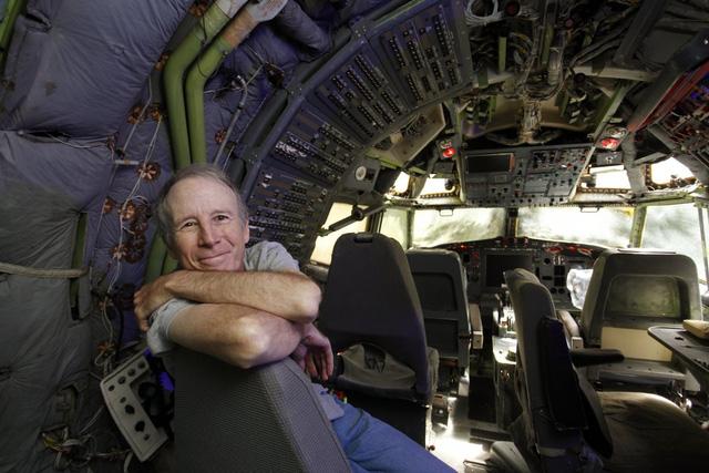 Do mỗi năm, Campell sống tại Nhật Bản trong vòng 6 tháng nên ông đang ấp ủ hy vọng có thể xây thêm một ngôi nhà mới tại Miyazaki, Nhật Bản từ chiếc Boeing 747-400, còn lớn hơn 3 lần chiếc 747 ông đang sở hữu.
