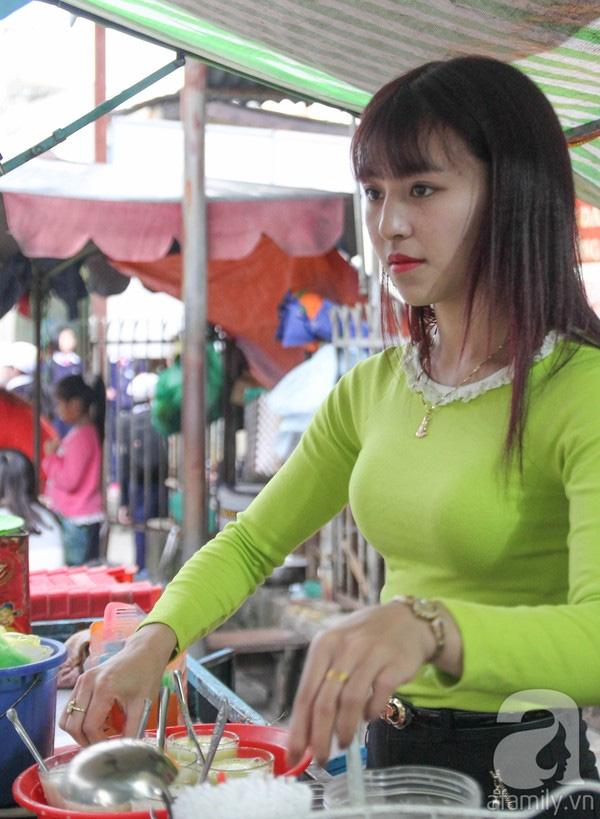Cô gái sinh năm 1994 chỉ thích gắn bó với công việc bán buôn mỗi ngày.