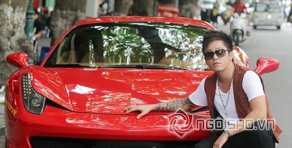 Xuất hiện trên đường phố với người tình Ferrari 458 Italia có giá 5,5 tỷ đồng - vào thời diểm đó, Tuấn Hưng đã tự nâng mình lên một đẳng cấp mới.