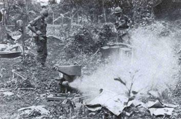 Lính Mỹ sử dụng hơi ngạt hòng tiêu diệt du kích trong các địa đạo