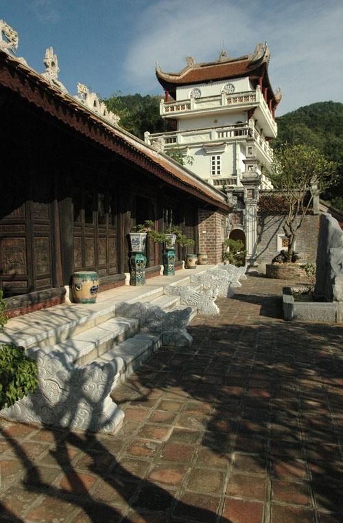 Việt phủ Thành Chương được xem là 1 quần thể kiến trúc với nhiều hạng mục công trình mang đậm văn hóa làng quê Việt Nam cổ.