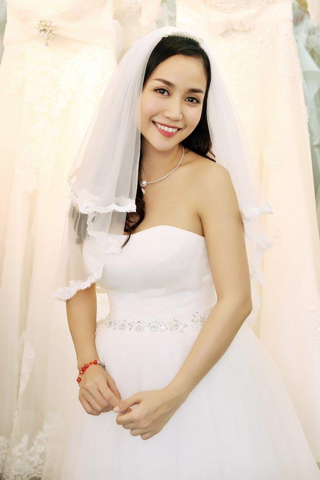 Sự trẻ trung của cô MC này không hề thay đổi từ khi làm cô dâu