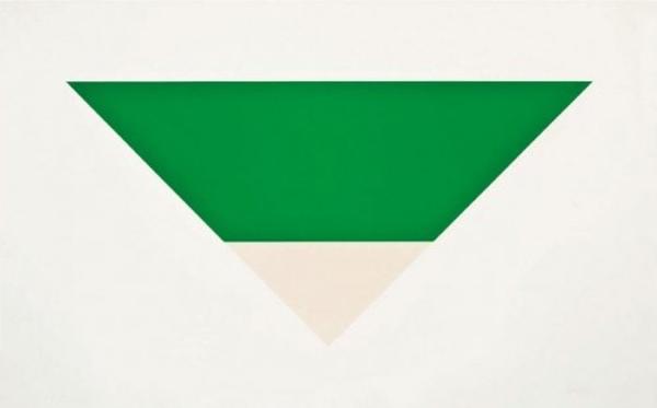 Bức vẽ Green White (1968) của Ellsworth Kelly có giá 1,6 triệu USD (khoảng 35,5 tỉ đồng). Danh họa Ellsworth Kelly là một trong những nghệ sỹ sở hữu các bức tranh có giá hàng triệu USD vẽ đơn giản nhất. Ông từng có khởi đầu không hề dễ dàng bởi phong cách vẽ của ông thường đi ngược lại các trào lưu lúc bấy giờ, tác phẩm của ông không hợp mắt với giới mê tranh ở Mỹ. Nhưng từ mùa thu năm 1957, ông đã tìm được đối tượng yêu thích các tác phẩm của mình và tên tuổi và phong cách của ông bắt đầu được đón nhận nhiều hơn.