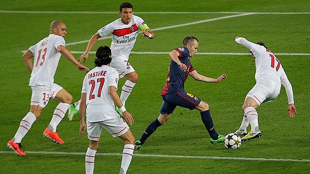 Các cầu thủ kiến thiết của Barca không dễ mất bóng nếu không gặp phải áp lực lớn.