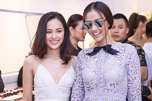 Ngoài Phạm Hương, Thiên Lý, diễn viên phim Tấm Cám còn hội ngộ ca sĩ Maya - người chị thân thiết trong nghề của cô.