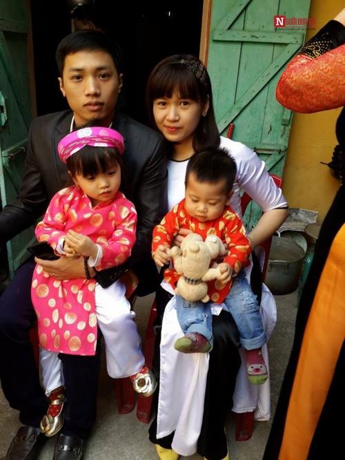 Chị Trang cùng chồng và hai thiên thần bé nhỏ.