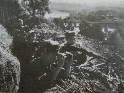 Quân dân địa phương phối hợp chiến đấu bảo vệ biên giới năm 1979