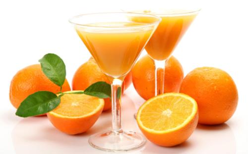 Uống nước cam khi đói: Nước cam tốt nhất nên uống vào lúc không no, không đói - tức sau khi ăn 1 - 2 giờ.
