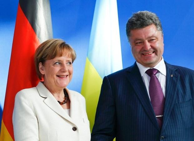 Thủ tướng Đức Merkel và Tổng thống Ukraine Poroshenko.
