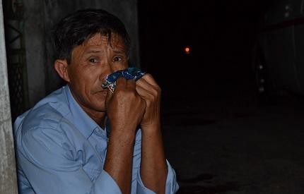 Bố đẻ chị Huế tha thiết xin được đưa thi thể con về chôn cất tại quê ngoại ở Ninh Giang. Ảnh: Đức Tùy