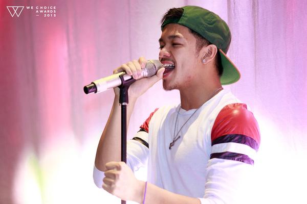 Quán quân Vietnam Idol 2015 sẽ biểu diễn ca khúc nằm trong single đầu tay của mình. Tiết mục sẽ được dàn dựng với hiệu ứng ánh sáng đẹp mắt