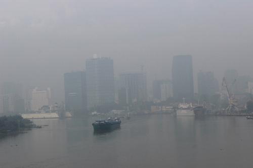 Sương mù dày đặc tại TP HCM ngày 21/10/2015. Ảnh: Vietnamnet.