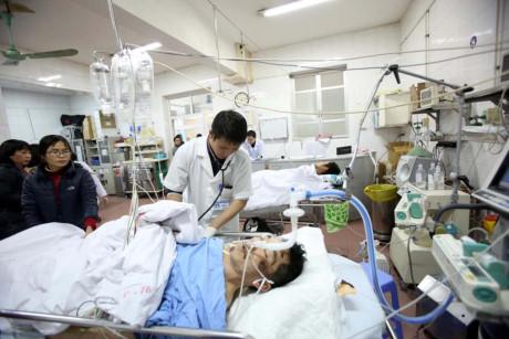 Bộ Y tế cho biết trong chín ngày nghỉ Tết Bính Thân, các bệnh viện trong cả nước tiếp nhận 5.121 trường hợp nhập viện vì đánh nhau, trong đó ít nhất 13 trường hợp đã tử vong. Ảnh: VOV.