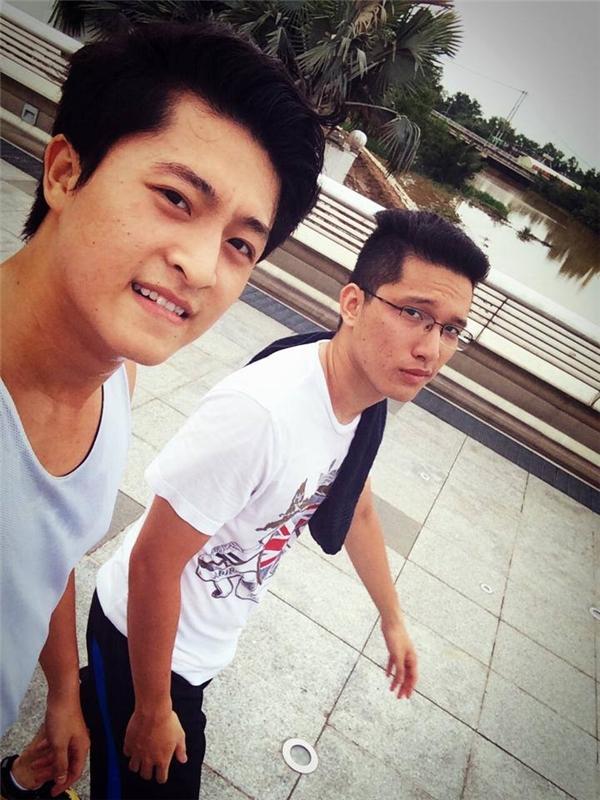 Anh chàng này cũng là bạn rất thân với Hary Lu.