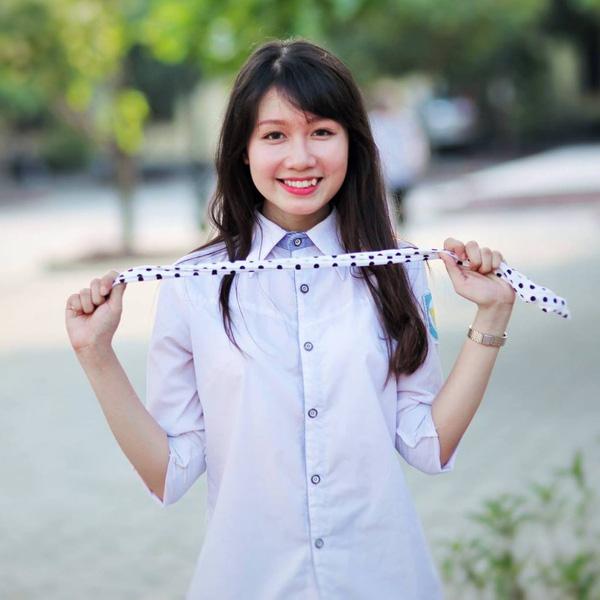 Nguyễn Thị Phương Anh - lớp chuyên Sử.