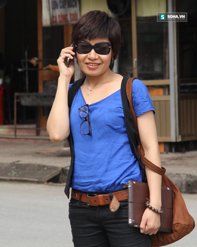Nhà báo Thu Trang lúc nào cũng sẵn sàng ở tư thế lên đường làm nhiệm vụ. (Ảnh nhân vật cung cấp)