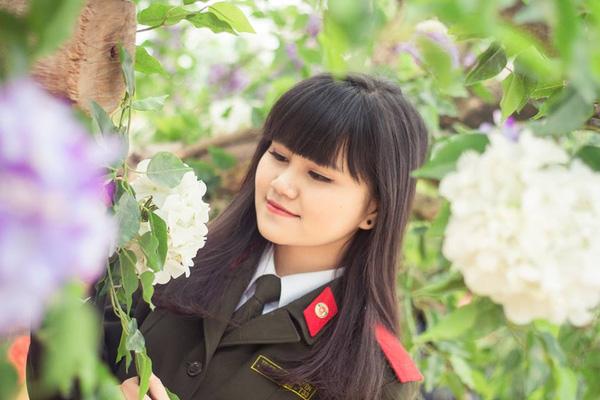 Trương An Duyên - cô bạn cựu học sinh lớp chuyên Sử này đang học tại trường Cao đẳng an ninh nhân dân.