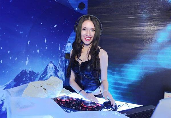 Hiện tại, Thanh Huyền tiếp tục theo đuổi nghệ thuật với các vai trò như: MC, DJ...