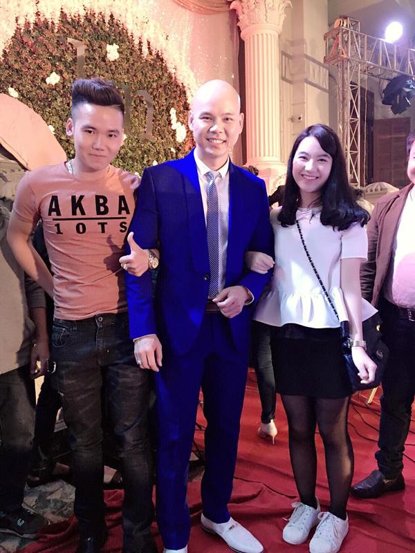 Đặc biệt, đám cưới này còn có sự góp mặt của ca sĩ Phan Đinh Tùng