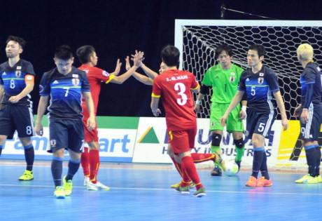 Cả đất nước Việt Nam phấn khích với chiến tích của đội tuyển futsal.