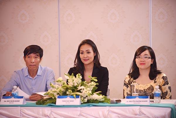 Trong suốt nhiều giờ làm việc nghiêm túc, hoa hậu Trần Bảo Ngọc, nhà báo Đào Xuân Quang, doanh nhân Phương Khanh đã lựa chọn được một vài gương mặt ăn ý.