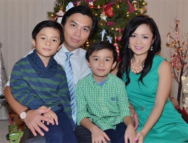 Ảnh hiếm hoi đầy đủ các thành viên trong gia đình của Mạnh Quỳnh.