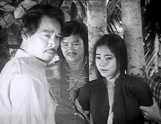 Trần Quang trong Đằng sau một số phận.