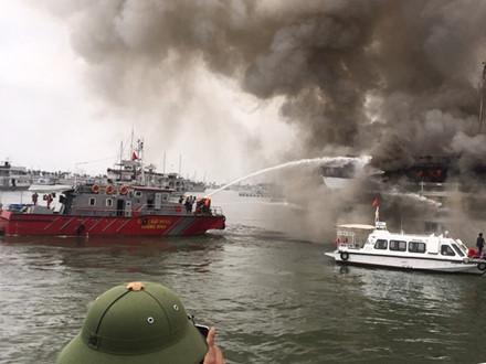 Thời gian gần đây liên tiếp xảy ra cháy tàu du lịch, nhưng đây là lần đầu tiên tàu bị cháy tại cảng Tuần Châu