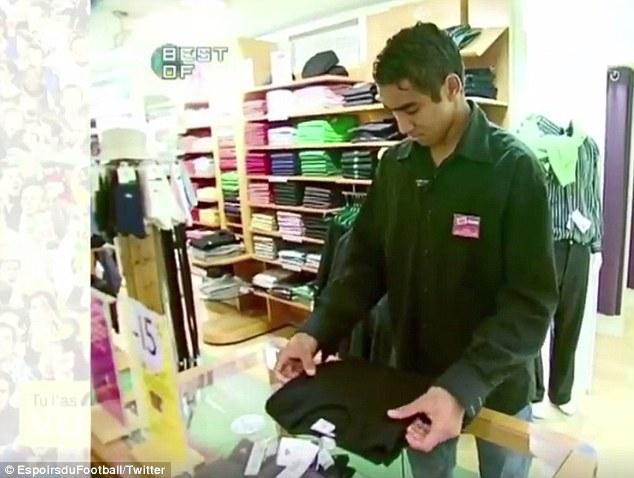 Payet khi còn làm tại shop quần áo.