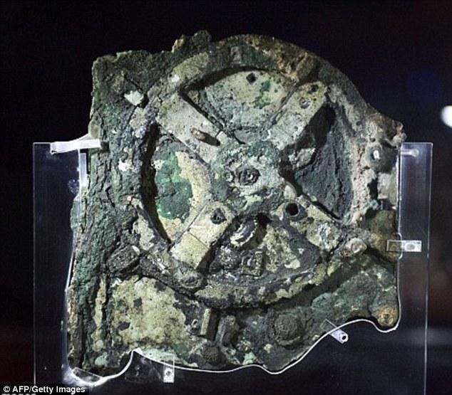 Bánh răng trong máy tính của người Antikythera