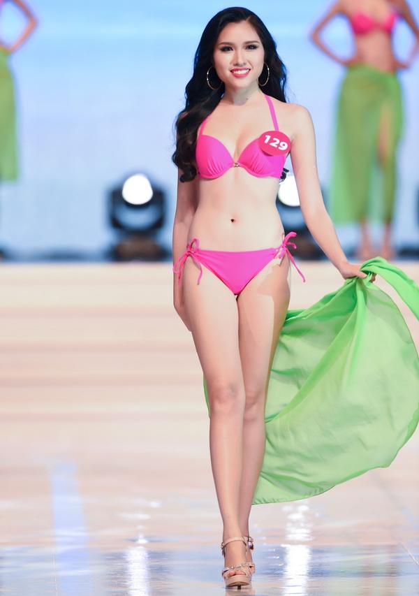 Xuất sắc vượt qua các vòng thi quan trọng, Thanh Huyền đạt thành tích Top 15 chung cuộc tại cuộc thi nhan sắc lớn nhất, nhì Việt Nam.