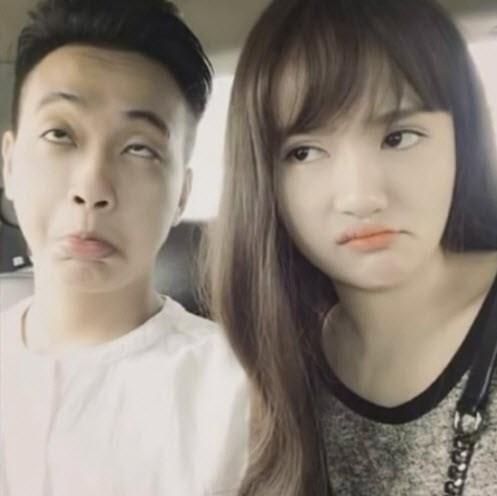 Cặp đôi này rất chăm đăng ảnh nhí nhố tình cảm cùng nhau lên mạng.
